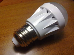 Лампа светодиодная, Е27, 1,5W, 9 светодиодов, 220Вольт, диаметр 50мм, цвета: RGBY